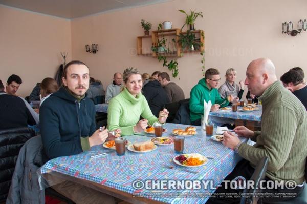 Ужин в столовой Чернобыля